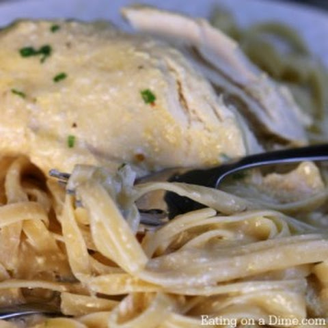 Easy Crock pot Chicken Alfredo