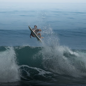 Surfing Batu Beliq by Jeffri Jaffar - Sports & Fitness Surfing ( canon ef 500mm, bali, surfer, canan )