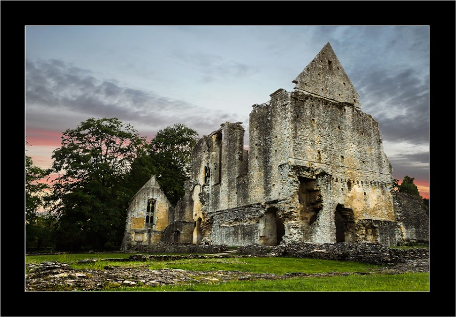 Minter Lovell Hall 2 by Mark Faulkner - Buildings & Architecture Other Exteriors ( minster lovell, england, ruin, oxfordshire, ruins, mark faulkner, landscape )