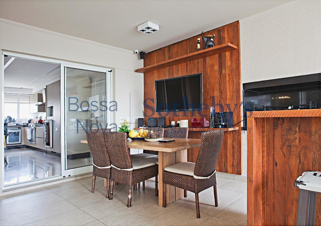 Elegante apartamento em condomínio com maravilhoso lazer