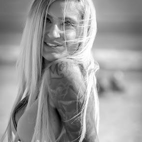 by Ugo Lora - Black & White Portraits & People ( sexy, model, brittni braden, bikini, tattoo, sdof, south beach, portrait, ink,  )
