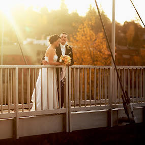 Trevor and Leah Hood River by Daniel James T. Cook - Wedding Bride & Groom