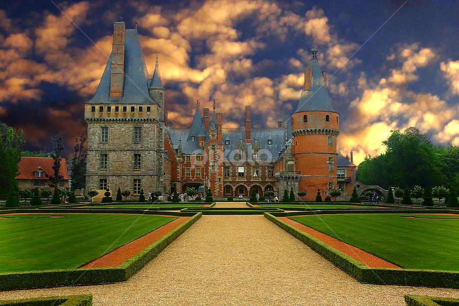 Château de Mme de Maintenon by Gérard CHATENET - Buildings & Architecture Public & Historical