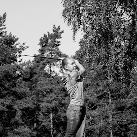 Black & White Girl by Pierre Andersson - Sports & Fitness Golf ( isaberggolfclub, golf, isaberggolfacadamy )