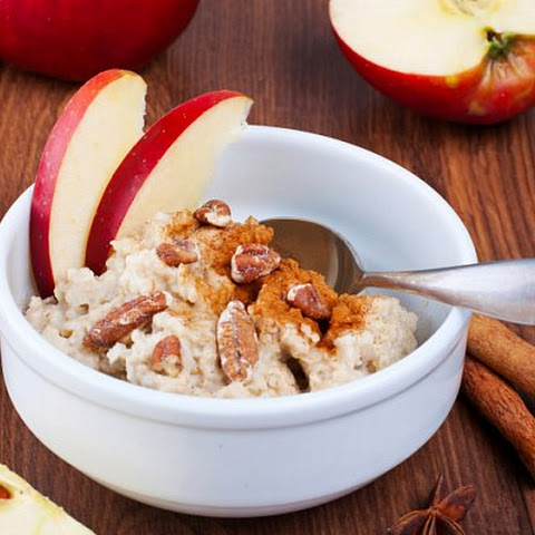 Healthy food — Apple oatmeal