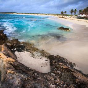 white sand and rocks by Cristobal Garciaferro Rubio - Landscapes Beaches ( water, sand, sky, beach, white sand, rocks )