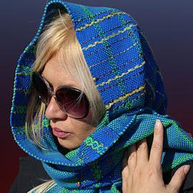 by George Ilic - People Fashion