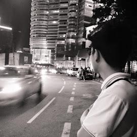 waiting in vain.. by Roan Biguasen - Digital Art People
