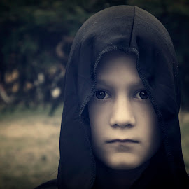 The little Lord of Darkness by An Mark - Digital Art People ( look, dark, black, eyes )