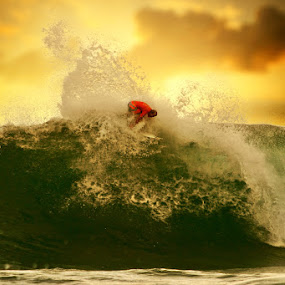 BIG WAVE by Alit  Apriyana - Sports & Fitness Surfing