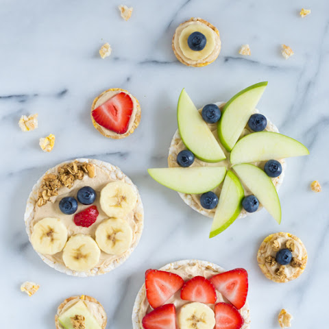 Healthy Peanut Butter Yogurt Fruit Pizzas