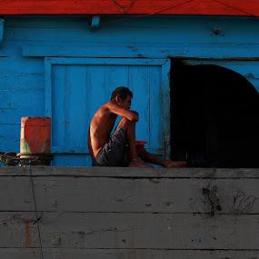 rest my place in bot by Khairur Rijal Pauzi - People Street & Candids ( photogrphy, instargram, potret lanscape, people, human )