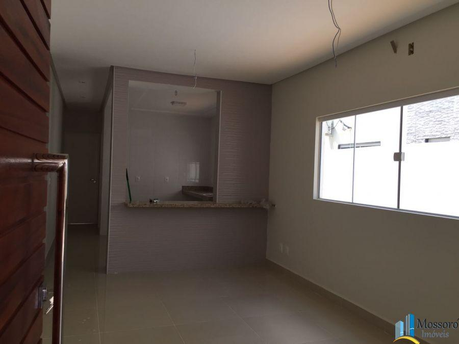 Vende-se linda casa pronta para morar no Veronique