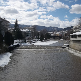 Град by Georgi Kolev - Nature Up Close Water ( сняг., небе., облаци., слънце., планина., сгради., река., време., дървета. )