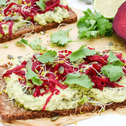 Superfood Open Sandwich [vegan]