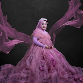 my wife by Agung U - People Maternity