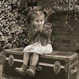 Isabel by Yana Rybakov - Babies & Children Child Portraits
