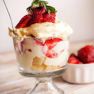 Simple Strawberry Trifle