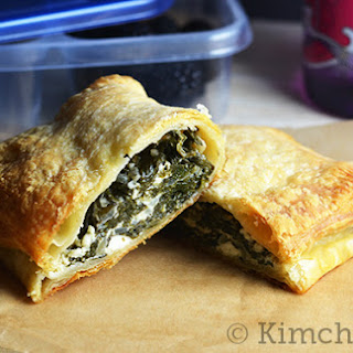 Greek-style Spinach Hand Pies #SundaySupper