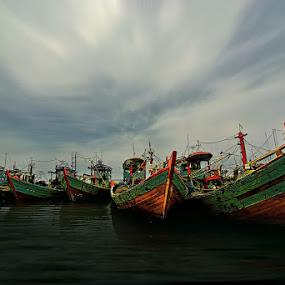 Parkir by Handri Fitrido - Transportation Boats