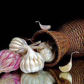 Garlic  by Asif Bora - Food & Drink Ingredients
