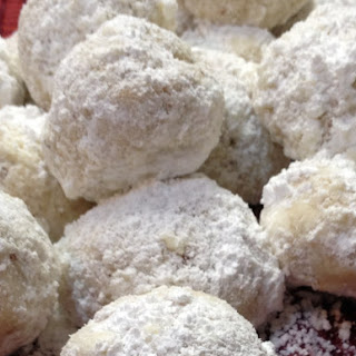 Butter Pecan Balls, A Melt-in-Your-Mouth Cookie