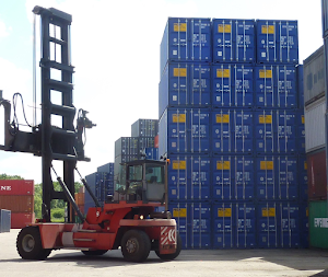 Shipping Containers for Hire | Containental Ltd in Richmond, UK