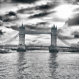 London Bridge by Santanu Maity - Buildings & Architecture Bridges & Suspended Structures ( london, waterscape, river thames, bridge, landscape )