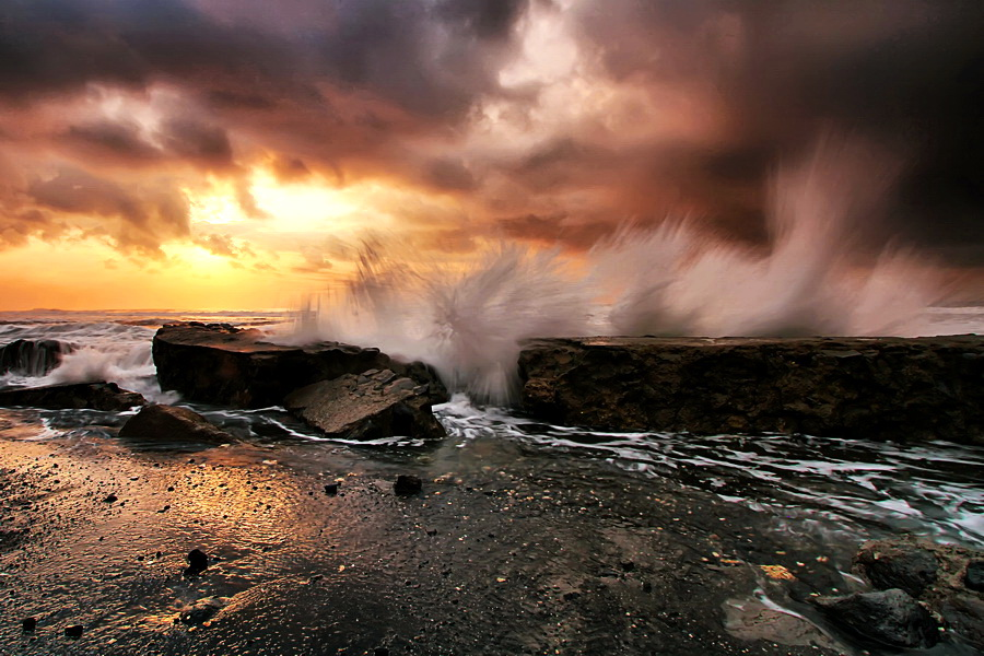 The Dancing Wave by Agoes Antara - Landscapes Waterscapes