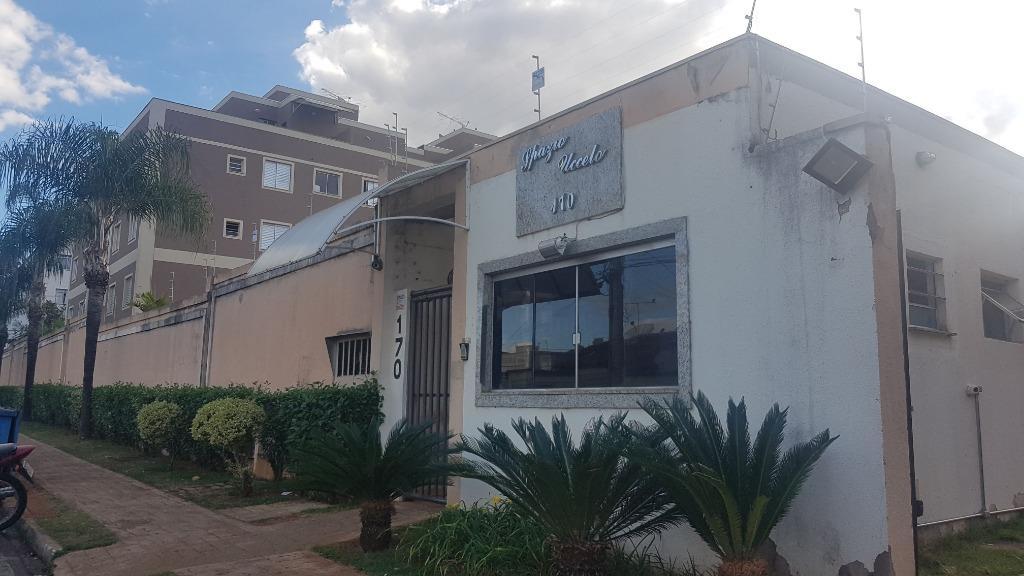 Apartamento com 3 dormitórios para alugar, 56 m² por R$ 900/mês - Santa Maria - Uberaba/MG