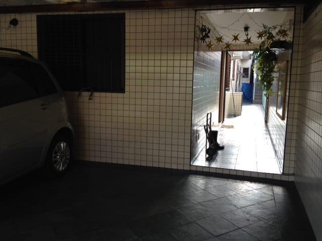 Casa para alugar, 120 m² por R$ 1.800,00/mês - Vila Cascatinha - São Vicente/SP