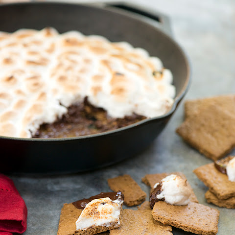 Vegan Skillet S'mores Dip With Easy Oat Graham Crackers