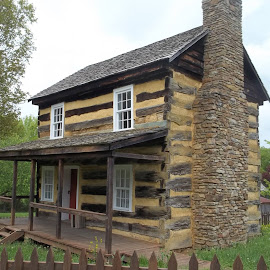 Restored 1830s Farmstead by Crystal Bailey - Buildings & Architecture Public & Historical