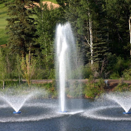BEAVER CREEK FOUNTAINS  by Douglas Edgeworth - Landscapes Waterscapes