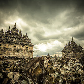 Plaosan Temple by Cristian Juverdeanu - Buildings & Architecture Places of Worship ( temple, hindu, yogyakarta, ancient, indonesia, cloudscape )