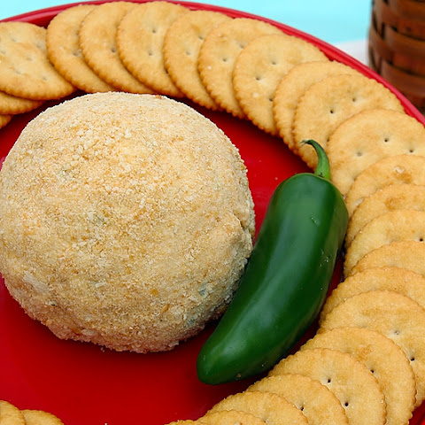 Easy Summer Snacks | Spicy Cheese Ball