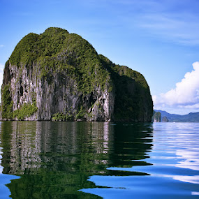 El Nido, Karst Limestone Formation by Boyet Lizardo - Landscapes Travel ( el nido, philippines, palawan )