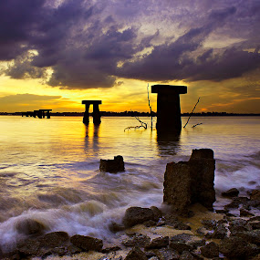 Sunset at Pasir Gudang, Johore by Macbrian Mun - Landscapes Waterscapes ( sky, johore, waterscape, colors, waves, sunset, malaysia, landscape )