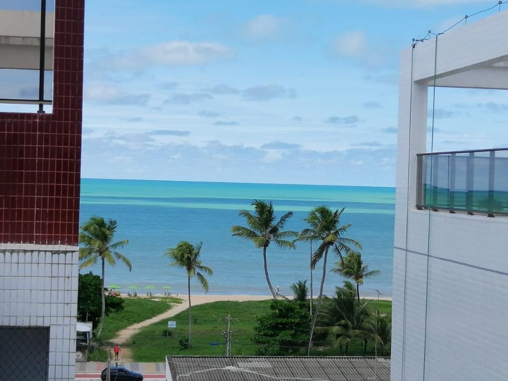 Apartamento com 2 dormitórios à venda, 70 m² por R$ 397.000 - Cabo Branco - João Pessoa/PB