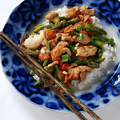 Stir-Fried Chicken with Asparagus, Green Garlic and Tomatoes