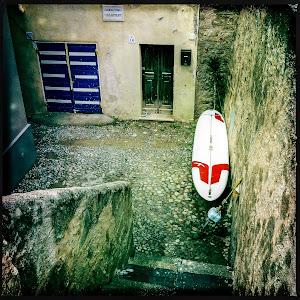 Carrero dels Hebreus and Surf.jpg