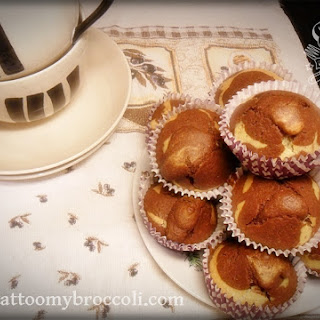 Layered Vanilla & Chocolate Muffins