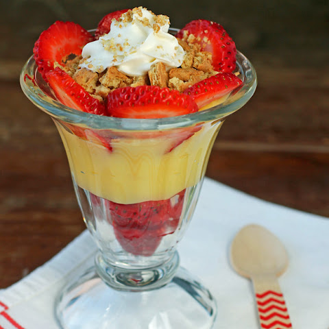 Strawberry Cheesecake Pudding Parfaits