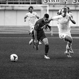 Duel by Nenad Borojevic Foto - Sports & Fitness Soccer/Association football ( game, men, man, football, people,  )