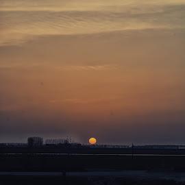 Se acaba el dia by Jose Maria Vidal Sanz - Landscapes Sunsets & Sunrises ( anochece, beauvoir., ocaso, frncia )