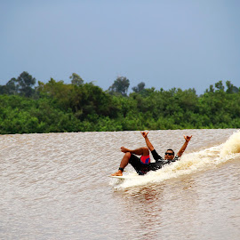 Enjoy your surfing by Zakaria Juniarto - Sports & Fitness Surfing ( bonosurf, tidalbore, surfing, river )