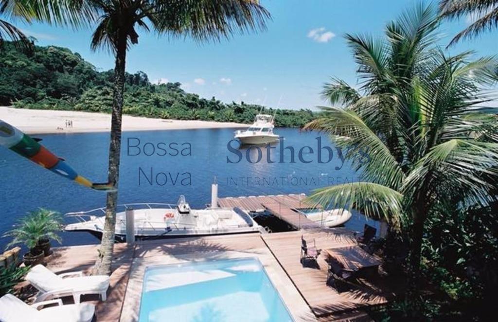 Casa no Canal à venda, Barra do Una, São Sebastião.