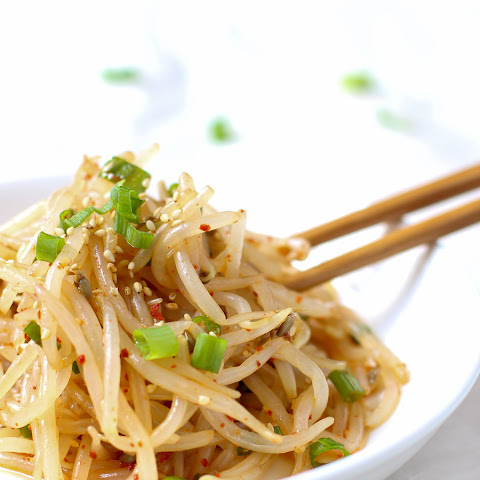 fresh Korean bean sprout salad