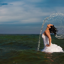 Trash the Dress by Alex Jidovu - Wedding Bride ( wedding photographer, profesional photography, trash the dress )