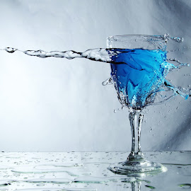 single glass splash by Peter Salmon - Artistic Objects Glass ( water, splash, glass, mess, alone )